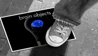 photo_Brain_objects_photo under foot shoe